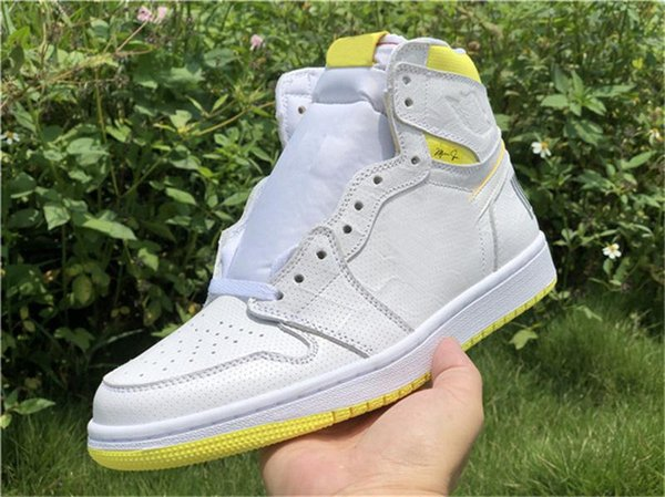 2019 Top Fashion 1 OG High First Class Flight Basketball Shoes White Dynamic Yellow Black 555088-170 Authentic Sports Shoes Size 7-13