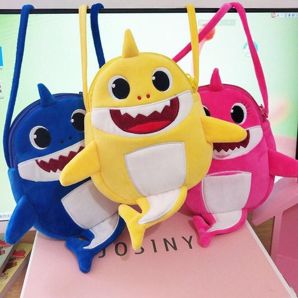 Baby Shark Cartoon Fanny Pack Kids Fuzzy Messenger Bag Lindo Shark Doule Capas Cremallera Bolsa Niños Felpa Crossbody Bolsa Monedero Nuevo A41501