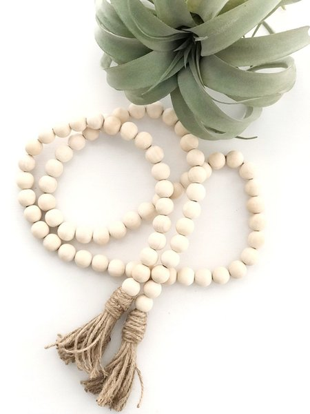 top popular Natural Wooden Bead Chain with Tassel Garland Northern Europe Nursery Home Décor Hand Made Wood Farmhouse Decoration 2021