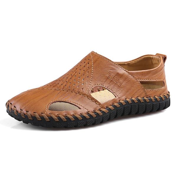 2019 Nouveau Doux Confort D'été Personnalité Hommes Sandales Chaussures De Conduite En Cuir De Vachette Creux Respirant Casual Chaussures Hommes Sandales