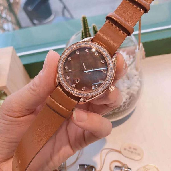 New Spring 2019 Women's Watch Luxury Fashion Leather Strap Mother Of Pearl Shell Made Of Waterproof Dial LeisurePrevalent