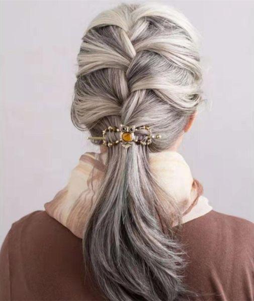 Gümüş gri insan saçı at kuyruğu postiş, tamamladı etrafında fransız örgü at kuyruğu ücretsiz doğal hightlight tuz ve karabiber gri saçları Boya