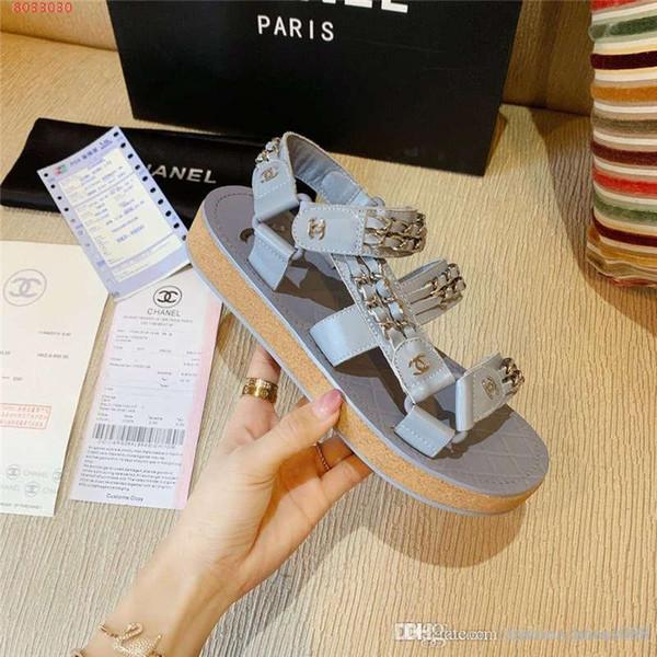 Sandales été nouvelle chaîne en cuir rayé sandales plates décoratives confortable semelle en caoutchouc antidérapante antidérapante sandales occasionnelles