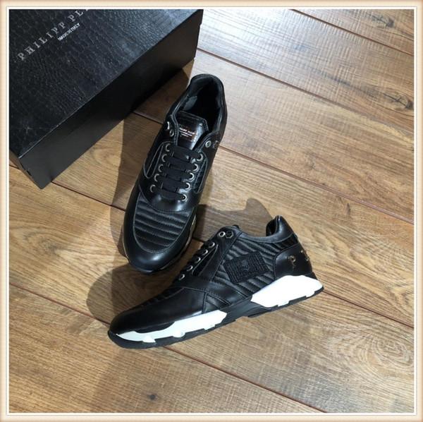 2019 Designer Chaussures Top Qualité Gris Blanc Brodé Hommes En Cuir Véritable Designer Sneakers Marque de luxe Designer chaussures