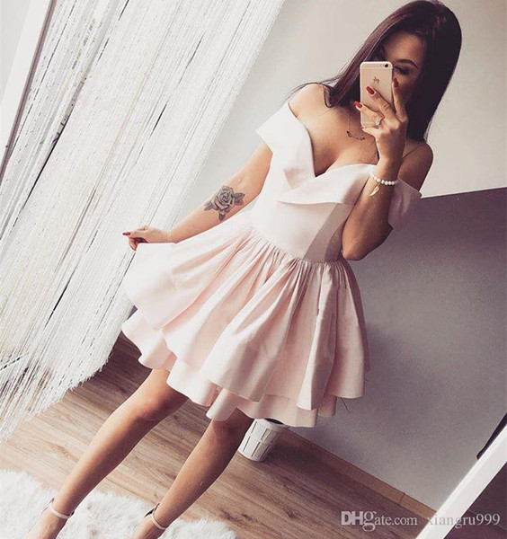 Cute Off Shoulder Pink Short Homecoming Dresses Puffy Skirt Tiered Ruffle A-Line Cocktail Party Gowns Custom Made Mini Prom Dress