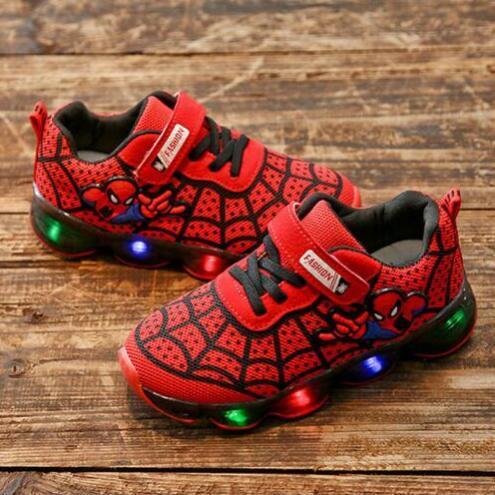 Spiderman caçoa os calçados com luz nova marca crianças luminosas Sapatos Esportivos brilhando tênis do bebê meninos meninas LED luz sapatos