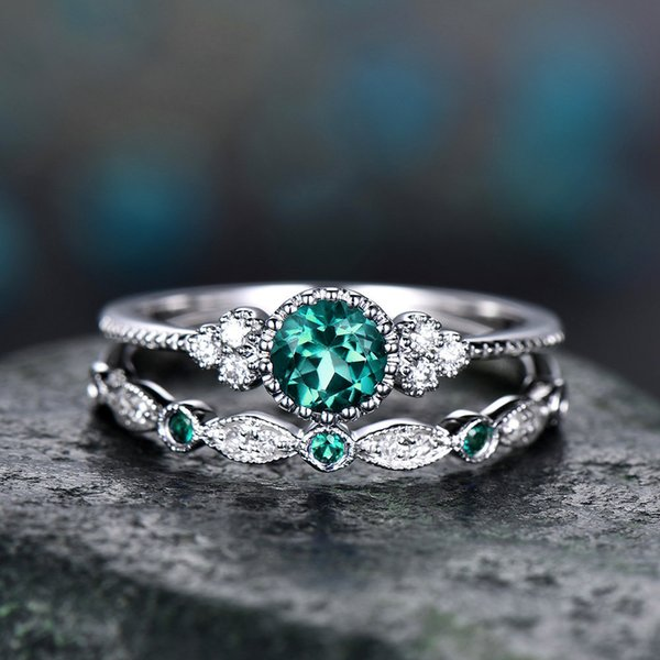 Women Green Zircon Ring Alloy Sapphire Ring Simple Fashion Retro Ring