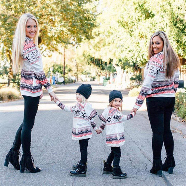 Family Matching Hoodies For Mother Daughter Tops Christmas Snow Printed Tee Shirts Baby Girls Mom Pullover Sweatshirts Outfit T