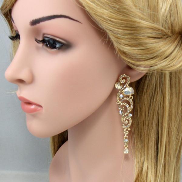 2019 pendentif papillon à la mode avec des sections de cristal en brosse suspendues Bijoux Boucles d'oreilles fabuleuses pour femmes bijoux