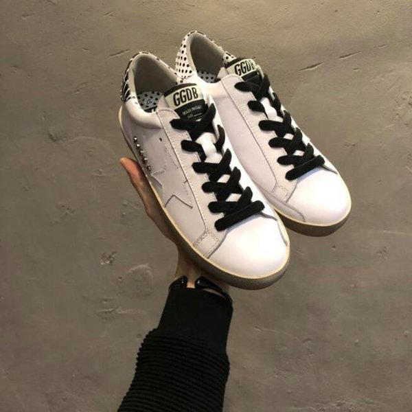 best sneakers 35c59 a849c Zxd Dirty Shoes Ggdb Sneaker Goose Wool Scarpe Scarpe Di Lusso Italy Goose  SLIDE Goldens Scarpe Donna Uomo Sneakers Femme Homme Shoes Formal Shoes For  ...