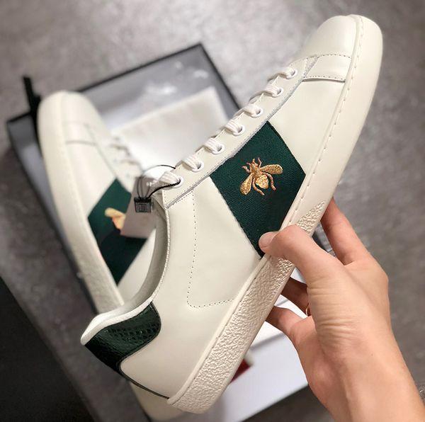 Inicio genuino planos de cuero de diseño zapatillas de deporte de los hombres de las mujeres clásicos de los zapatos ocasionales pitón tigre de abejas zapatillas de deporte de la flor bordada Gallo Amor