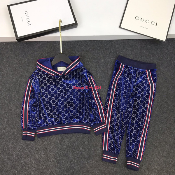 Conjuntos de pantalones para niños ropa de diseñador para niños jersey con capucha + pantalones casuales 2 piezas de tela de terciopelo dorado conjuntos de sudaderas con capucha de otoño
