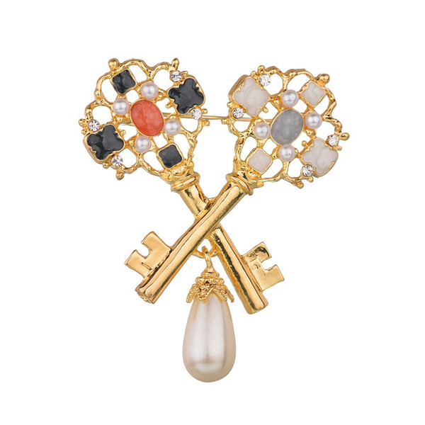 Simple Pearl Key Brooches for Women Creative Jewelry Kids Gift Coat Accessories Lady Fashion Pin 2019 High Quality b34