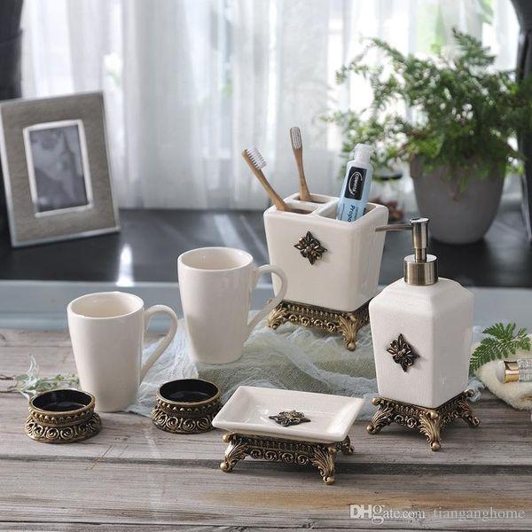 Nuevo baño de lavado de artículos sanitarios de cerámica nórdicos 5 piezas de un cepillo de dientes simple enjuague bucal Copa de baño de gama alta Baño de alta gama