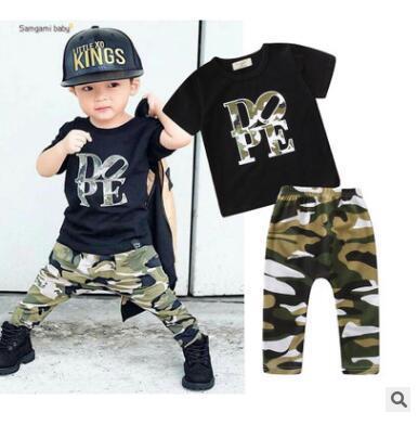Дети дизайнер одежды мальчиков 2 шт. комплект одежды 2019 лето мальчиков с коротким рукавом футболки топы+камуфляж брюки младенческой малыша Детская одежда