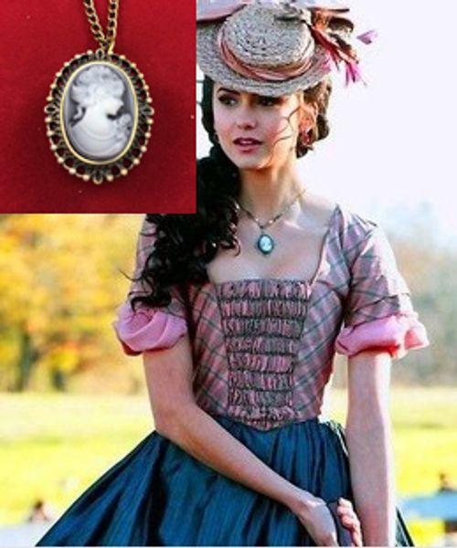 ZRM 20 pçs / lote atacado Moda Vampire Diaries Katherine Cameo relógio de Bolso colar de jóias filme, fonte de fábrica original