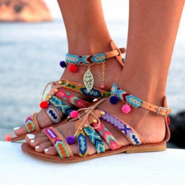 2018 Beach Summer Flat Sandalias de mujer Tallas grandes Sandalias de gladiador de moda Zapatos Señoras Boho Mujer Calzado cómodo