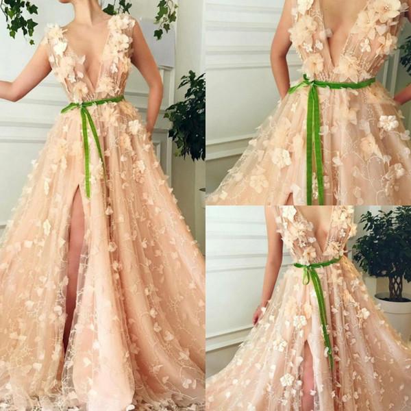 Modest V Neck Prom Dresses 2020 Lace 3D Floral Applique fessura del lato arabo del partito di cocktail del vestito su ordine sexy abiti da sera