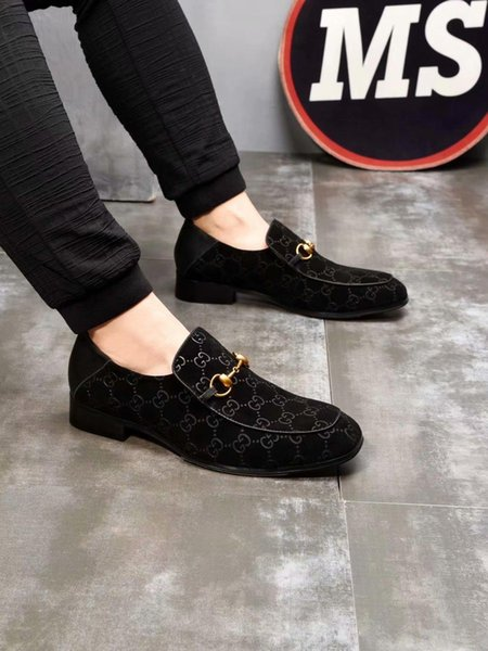 2019v Luxury Designer Studded Spikes Sneakers men women Casual shoes black Party Lovers Rhinestones Leather Spikes glitter red bottom