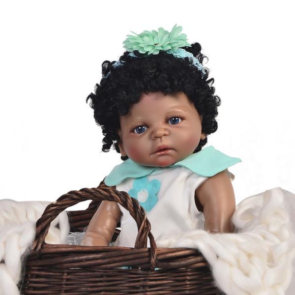 Bebe Reborn negro Muñecas de niña 23 '' 57 cm Muñeca realista de juguete tan realista Realista Cuerpo de silicona impermeable para niños Playmates
