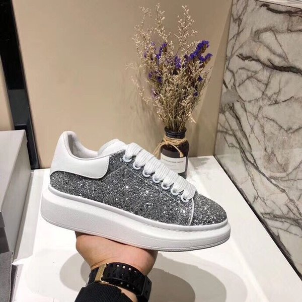 2019 Fashion designer Paris 17FW Triple s Sneakers per uomo donna Casual Dad Shoes tennis lusso crescente shoe xrx19040912
