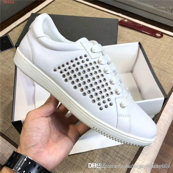 The latest Sneakers Super Star Men Sport Casual Shoes Fashion With Nail bead cowhide sneakers Low-top White Black casual shoes Size 38-44