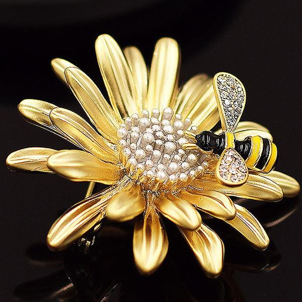 Hermosa 3D Abeja Crisantemo Margarita Broche de flores Ramillete de moda Broche para mujeres Abrigo o Ramos de boda Regalos hechos a mano