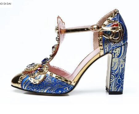 2019 Yeni kadın tıknaz topuk elmas pompaları parti ayakkabı mavi ve beyaz porselen elbise ayakkabı düğün ayakkabı altın ayak pompaları