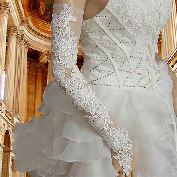 2020 Venta caliente Mujeres baratas Guantes de boda de encaje rojo Sin dedos Longitud de la ópera Accesorios largos de la boda del partido nupcial