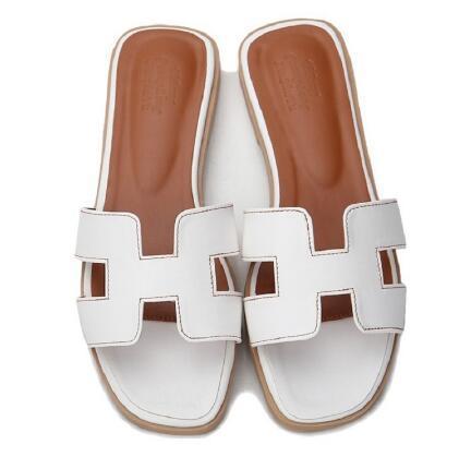 Hot New slippers cut out summer beach sandals Fashion women slides outdoor slippers indoor slip ons flip flops