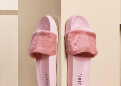 Kadınlar için 2019 Leadcat Fenty Rihanna Ayakkabı Terlik Kapalı Sandalet Kızlar Moda Scuffs Pembe Siyah Gri Kürk Slaytlar Yıldız SWith bayan Ayakkabıları