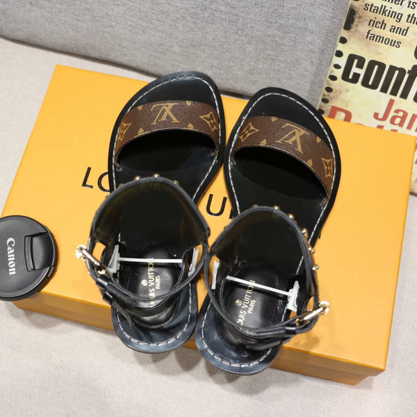 Nueva L mujer sandalias piel real cadena piel tacones planos sandalia 35-42 Remache zapatillas transparentes deslice sandalias chanclas 3 colores
