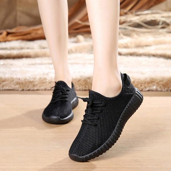 Sapatos casuais Mulheres Sneakers 2019 Cores Doces Sapatilhas Brancas Brancas Mulheres Respirável Macio Malha Sapatos Formadores Tênis Feminino