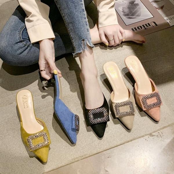 Strass cristal mulheres chinelos de salto alto deslizamento em mulas de design de marca 2019 moda dedo apontado deslizamentos de luxo deslizamento em mocassins