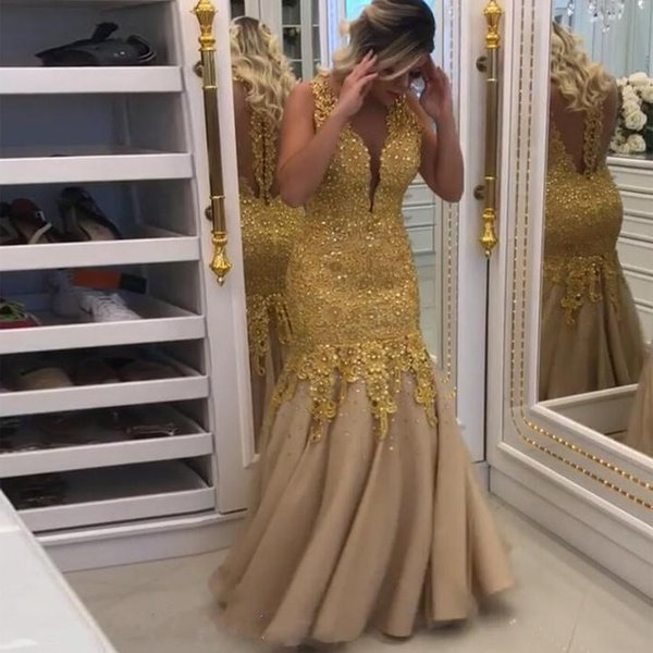 Gold Plus Size 2019 Modern Mermaid Wedding Dresses V-Neck Beaded Collar sleeveless Illusion Tulle backless Applique custom made wedding gow