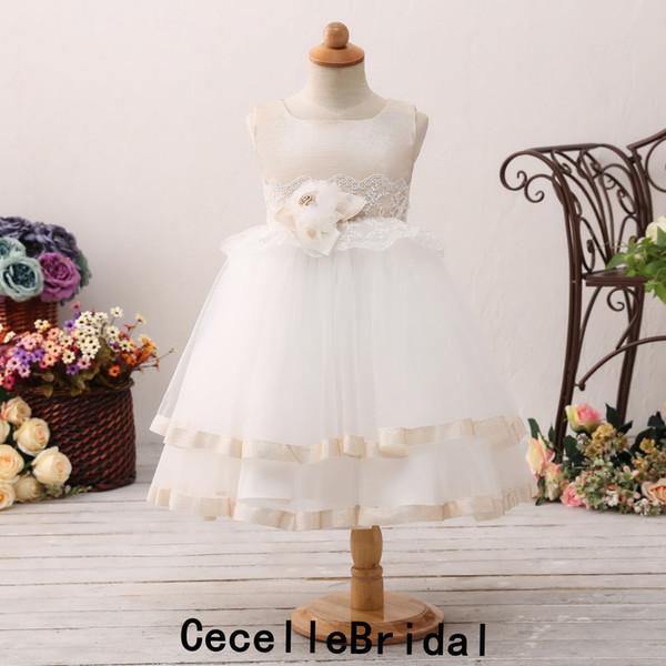 2019 Carino Champagne Avorio A-line Tulle Abiti da bambina a fiori corti per matrimoni Fiori Sash senza maniche Ragazze Festa di compleanno Dress