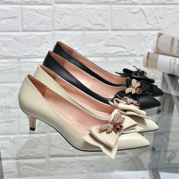 2019 Top Quality Letter Pearl Bee Bow Metal Buckle Pointed Low Heel shoes Genuine leather Woman Dress Shoes With Box