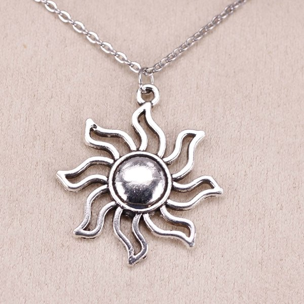 New Fashion Tibetan Silver Pendant sun sunburst 34*30mm Choker Charm Short Long DIY Necklace Factory Price Handmade Jewelry