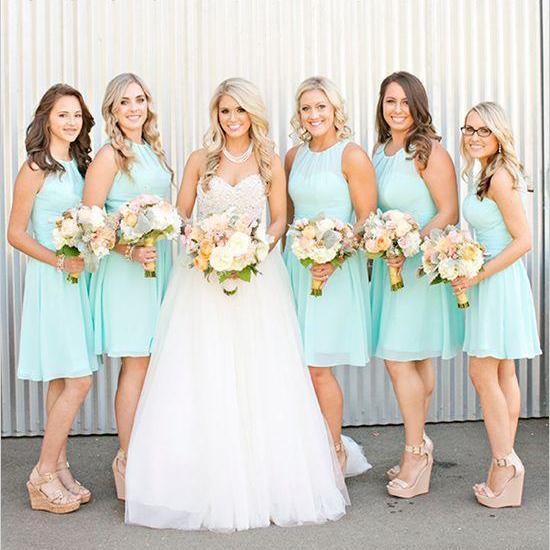 Mint Green Short Chiffon Bridesmaids Dresses Cheap Knee Length Country Beach Junior Bridesmaid Formal Occasion Dress
