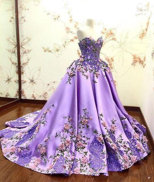 Güzel Sweetheart 3D Çiçekler Adorned Gelinlik Modelleri Nakış Saten Dantel Aplikler Quinceanera Elbise Özel Durum Abiye Giyim