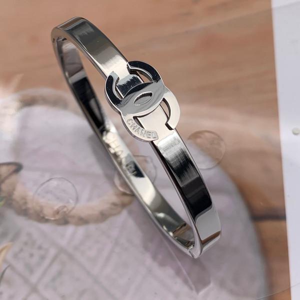 Alta Polido Famosa marca de luxo 3 cores 316L aço inoxidável 19 cm carta pulseiras pulseiras homens mulheres ouro 18k prata rosa verão jóias