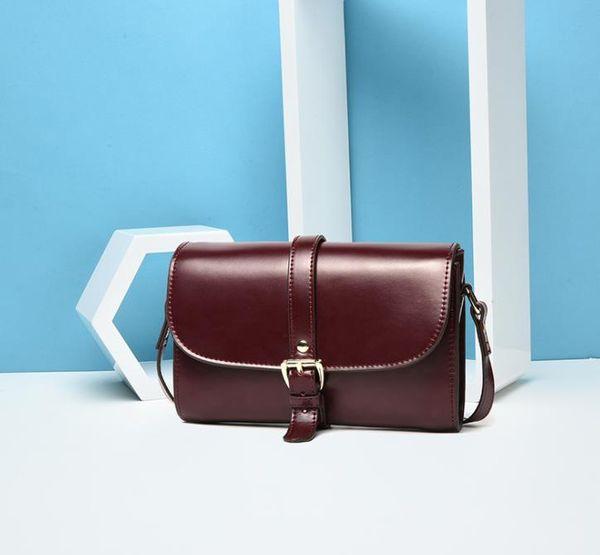 Sac à bandoulière simple pour femme avec boucle de ceinture en cuir de vachette chevauchée et petit sac carré avec sac à la mode pour femme