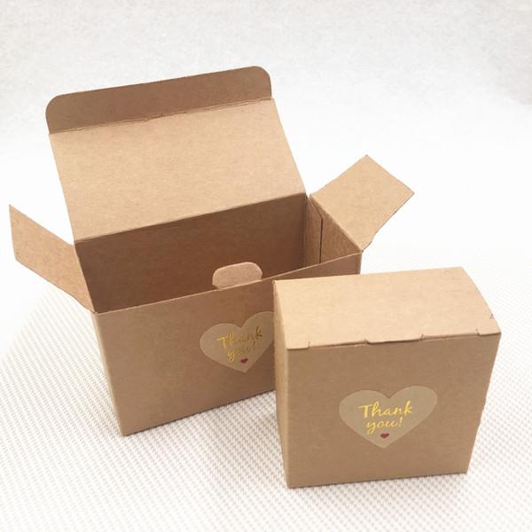 50pcs / lot de boîtes de carton de papier kraft à la main cas pour le mariage fête d'anniversaire gâteau dessert boîtes d'emballage de conteneur de stockage