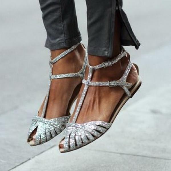 Moda nova sandálias verão 2019 comércio exterior explosão europeu e americano fundo plano oco sandálias