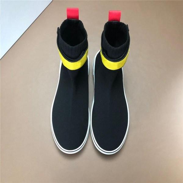 Mode Dernières baskets de chaussettes pour hommes avec maille supérieure, bottes Triple S avec des baskets en caoutchouc souple pour hommes baskets rouges de la mode c8