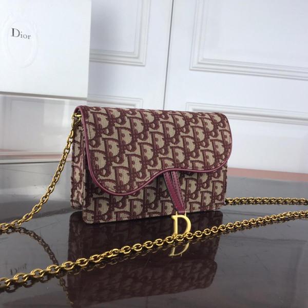 New Italian brand ladies embroidered canvas handbag metal chain diagonal cross messenger bag ladies casual fashion bag free shipping