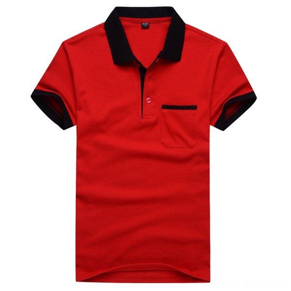 rosso con il nero collare con tasca