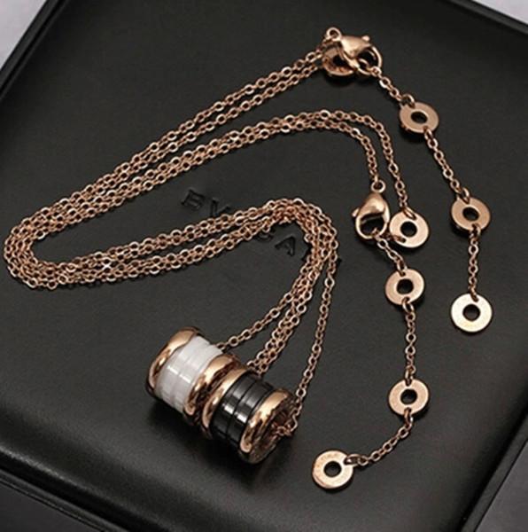 Pendentif femme classique en acier au titane 316L, collier avec couple de pendentif en céramique plaqué or noir et blanc 18K, 0.6 * 1.2cm