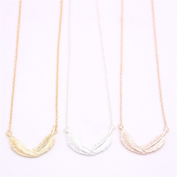 Curly feather pendant necklace Life-like feather pendant necklace designed for women