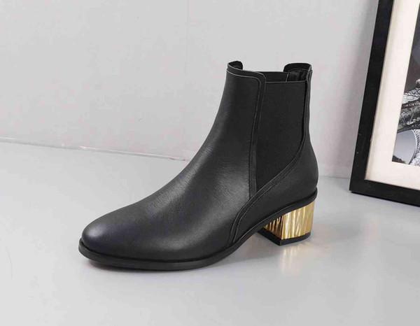 Invierno nuevas señoras superiores de lujo cargadores del partido marrones botines negros de tacón bajo los zapatos de gamuza de cuero plana botas de las mujeres de tubos cortos de diseño 35-39